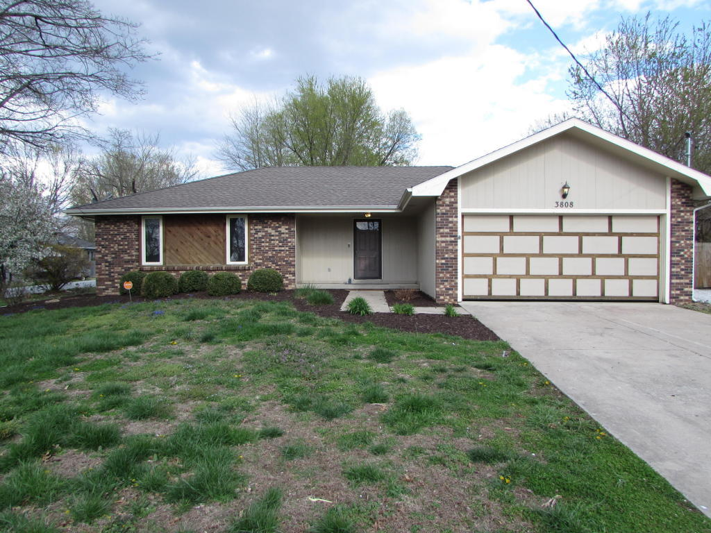 3808 South Leawood Avenue Springfield Mo 65807 For Sale
