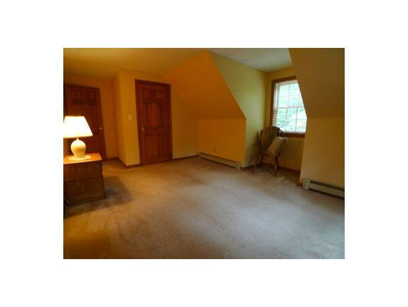 11 Oakland Road, Exeter, NH, 03833 -- Homes For Sale