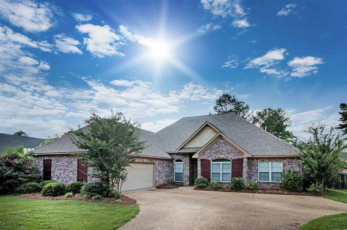 141 hartfield dr madison ms for sale 239 000 for Home builders madison ms