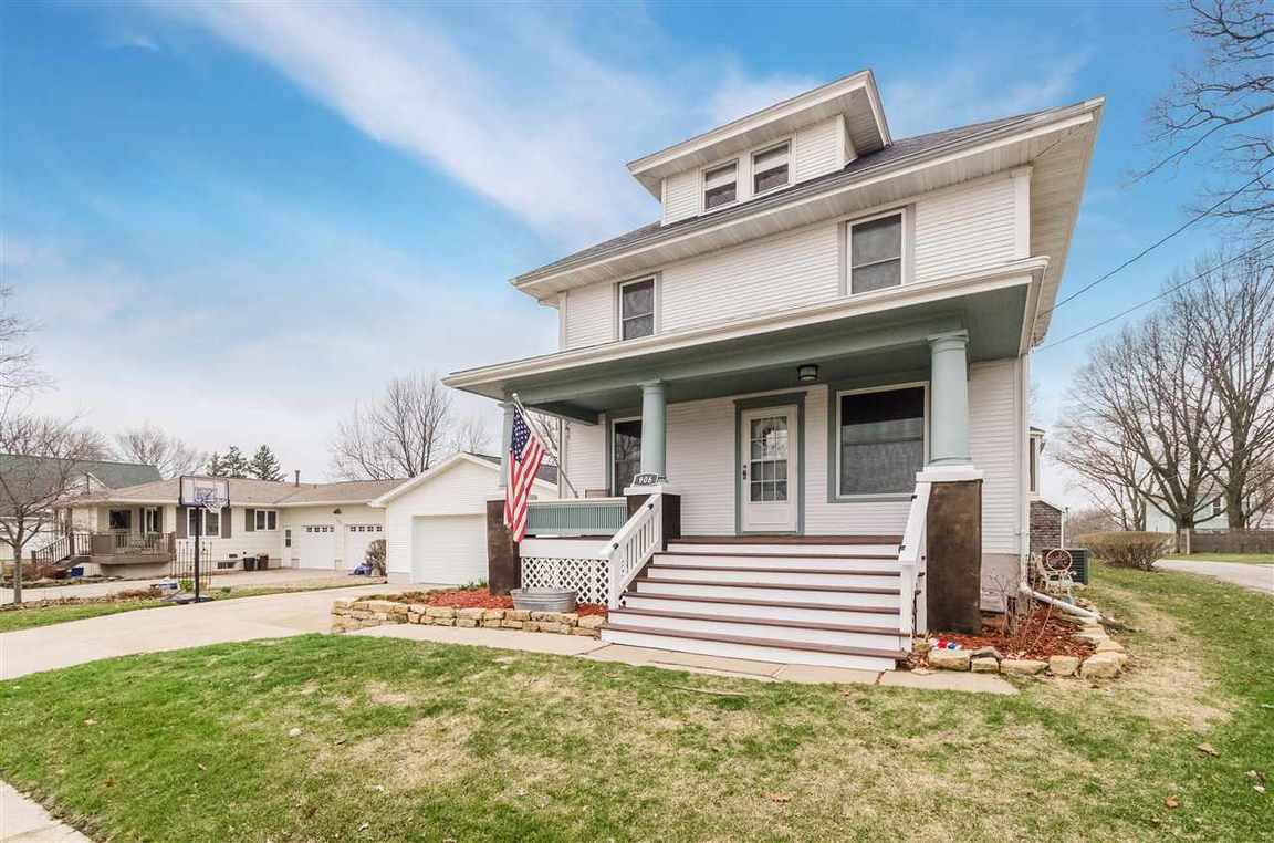 906 Elm St Williamsburg Ia For Sale 198 000