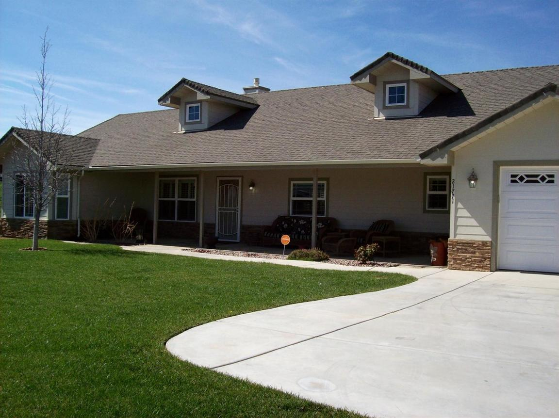 21771 stone place tehachapi ca 93561 for sale