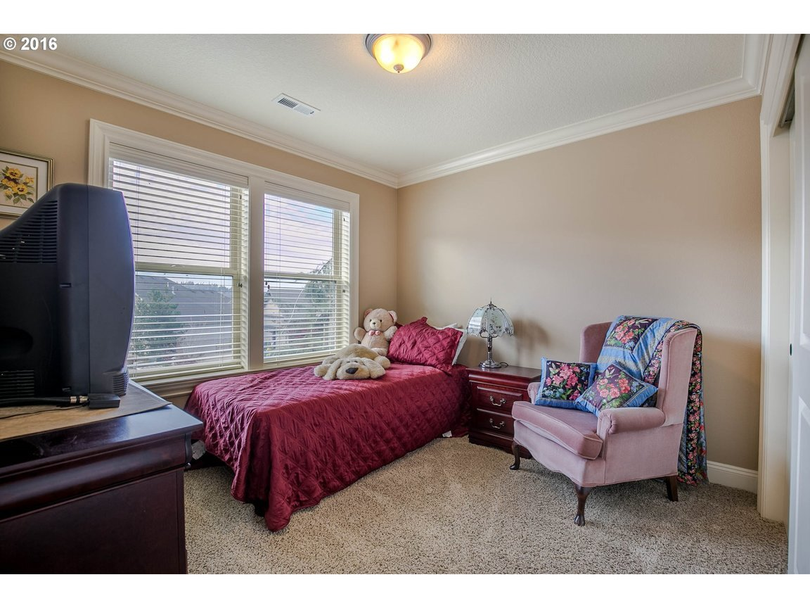15150 Se Bunker Hill Ct, Happy Valley, OR, 97086: Photo 16