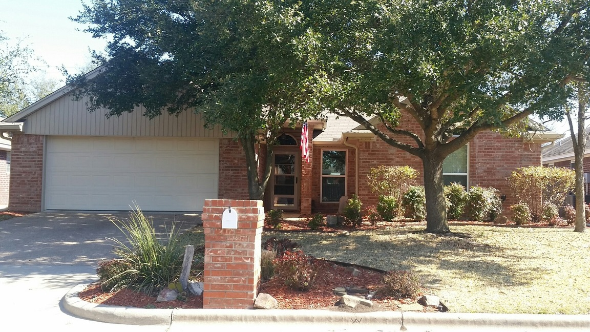2804 Comanche Trail Woodway Tx 76712 For Sale