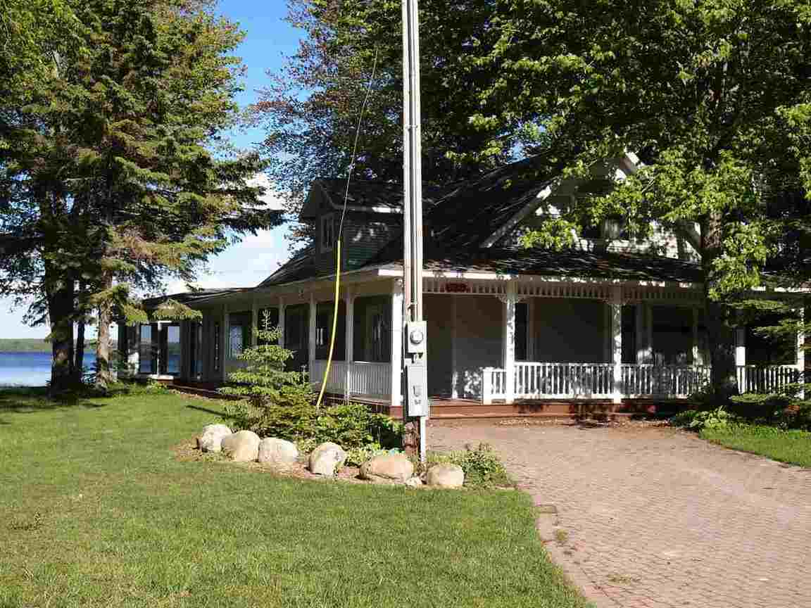 Michigan emmet county levering - Home For Sale 8984 Silver Strand Levering Mi 49755