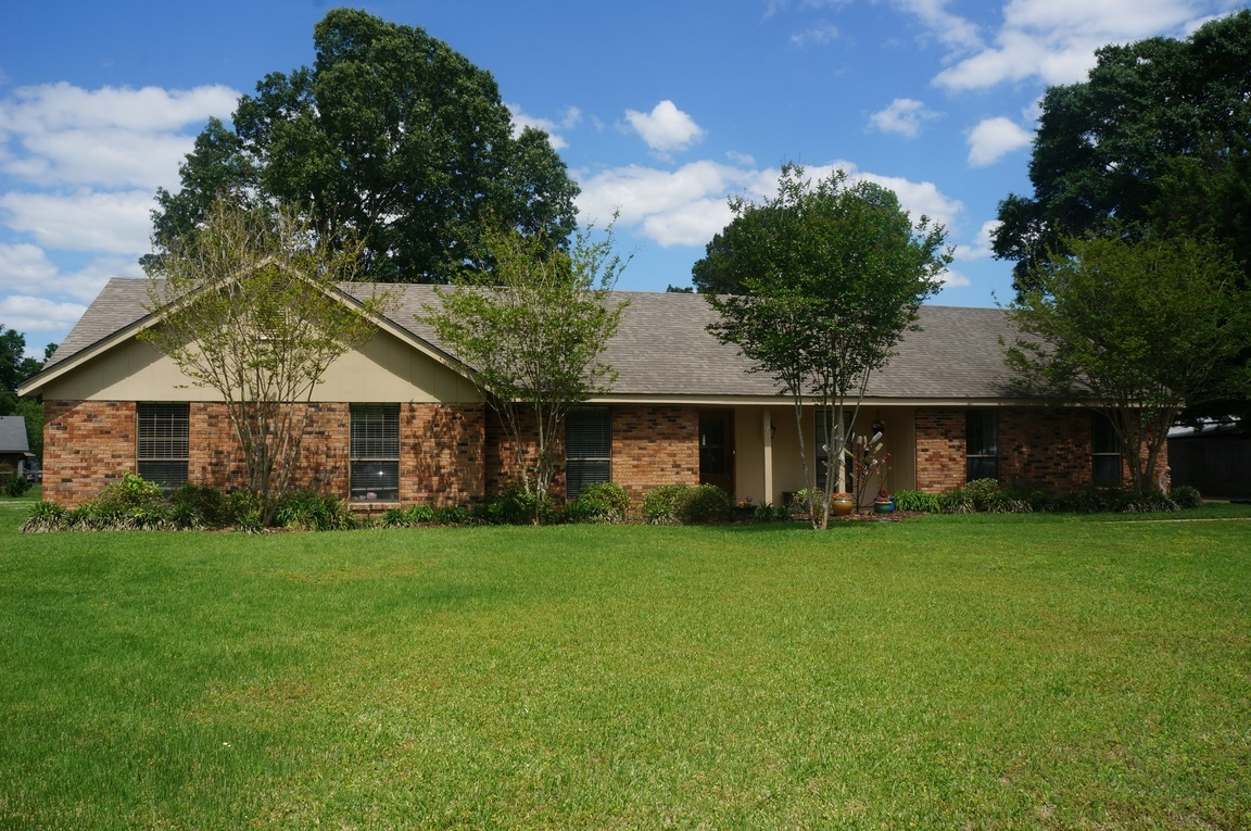 3 raintree north natchez ms 39120 for sale for North ms home builders