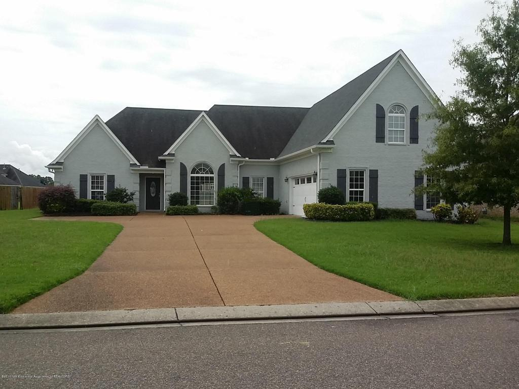4625 Golden West Cove Southaven Ms For Sale 249 900