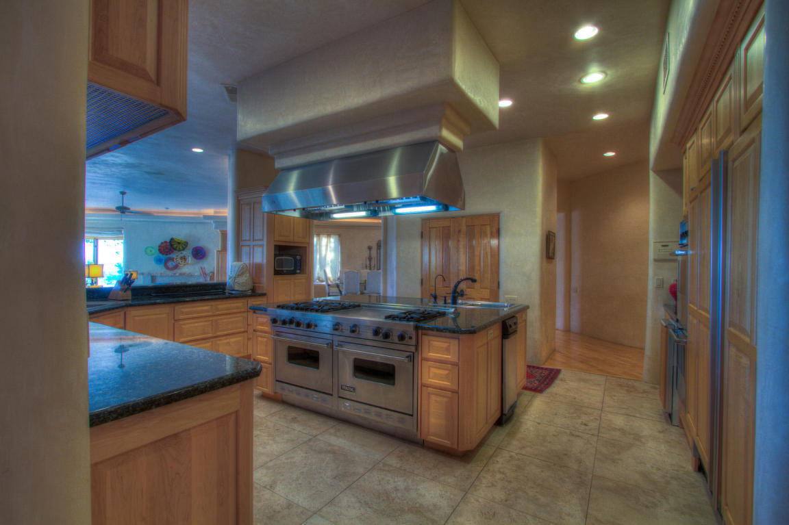 13716 Canada Del Oso Place Ne, Albuquerque, NM, 87111: Photo 24