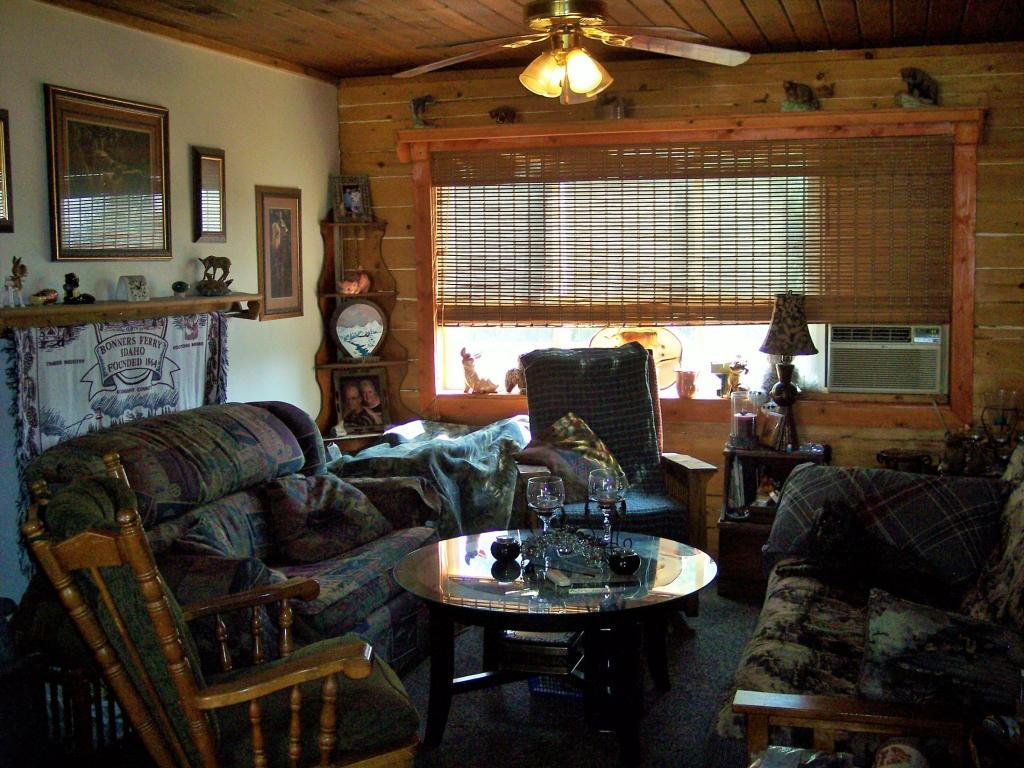 1140 Camp Nine Road, Bonners Ferry, ID, 83805 -- Homes For Sale