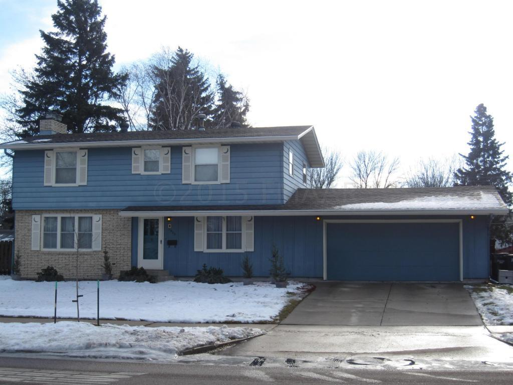 1002 24 Ave S Fargo Nd 58103 For Sale
