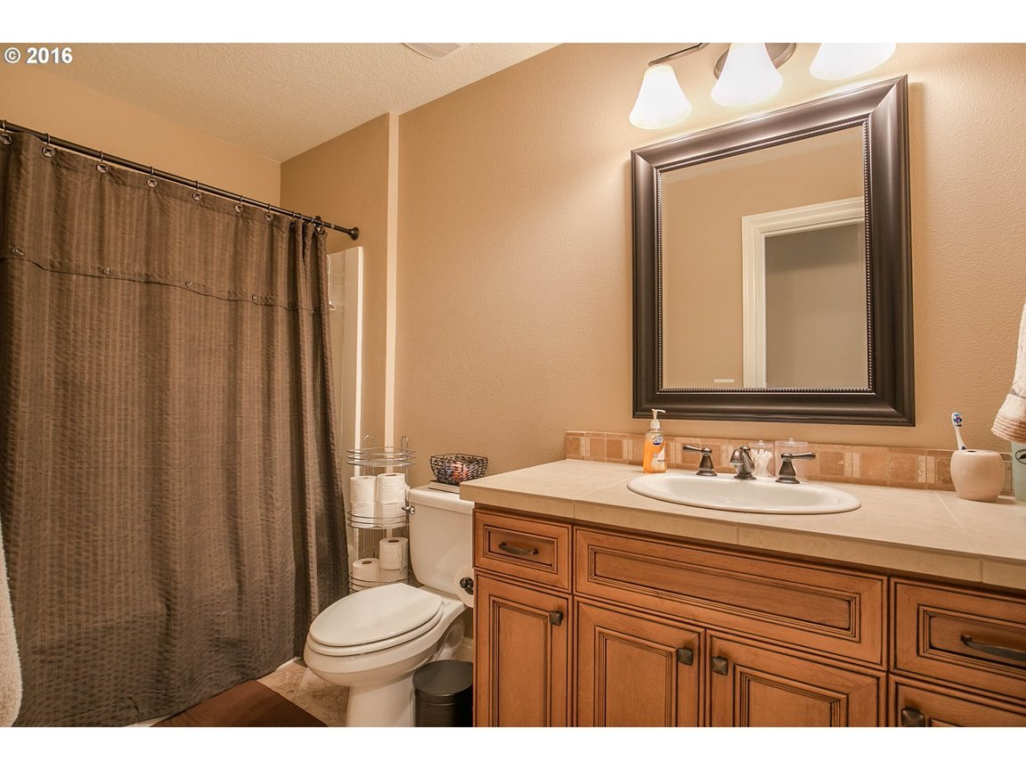15150 Se Bunker Hill Ct, Happy Valley, OR, 97086: Photo 17