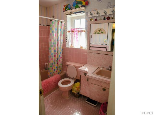 2055 Colden Avenue, Bronx, NY, 10462: Photo 2