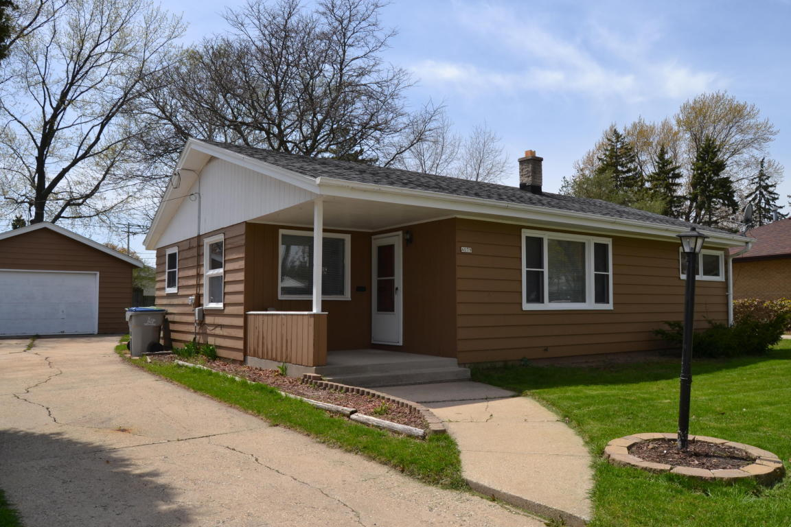 4079 N 79th St Milwaukee Wi For Sale 89 900