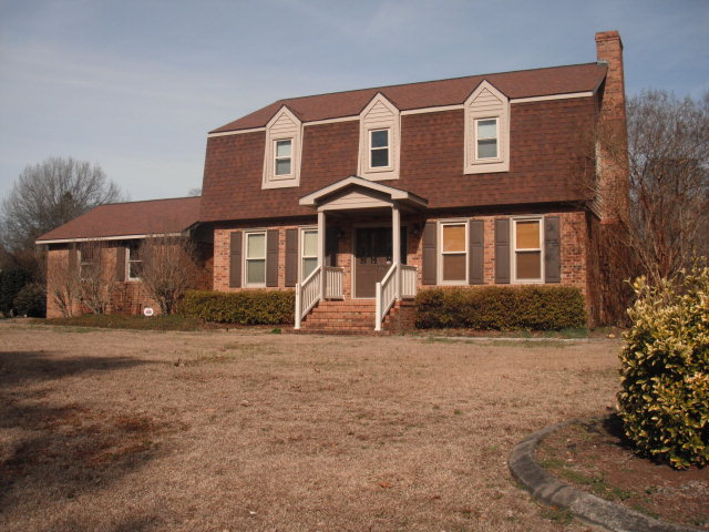210 Maplewood Drive, Goldsboro, NC, 27534 -- Homes For Sale