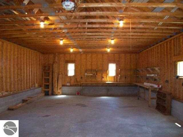 8095 Cherry Lane, Beulah, MI, 49617 -- Homes For Sale