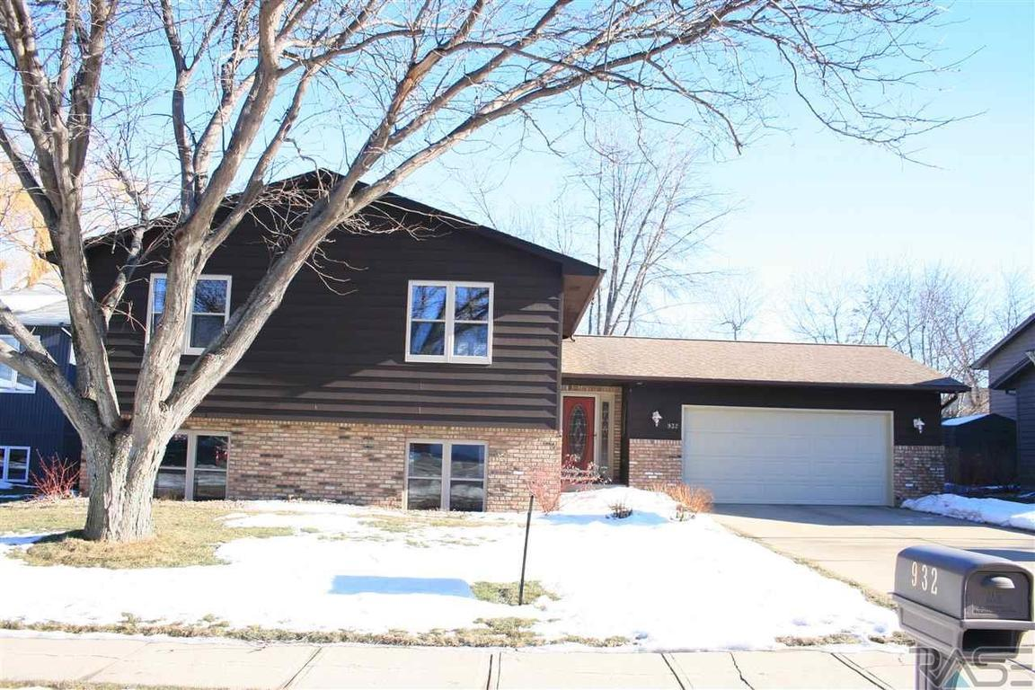 932 s kennedy ave sioux falls sd for sale 219 900 for Home builders in sioux falls sd