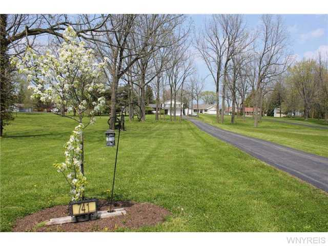 741 Lake Road, Youngstown, NY, 14174 -- Homes For Sale