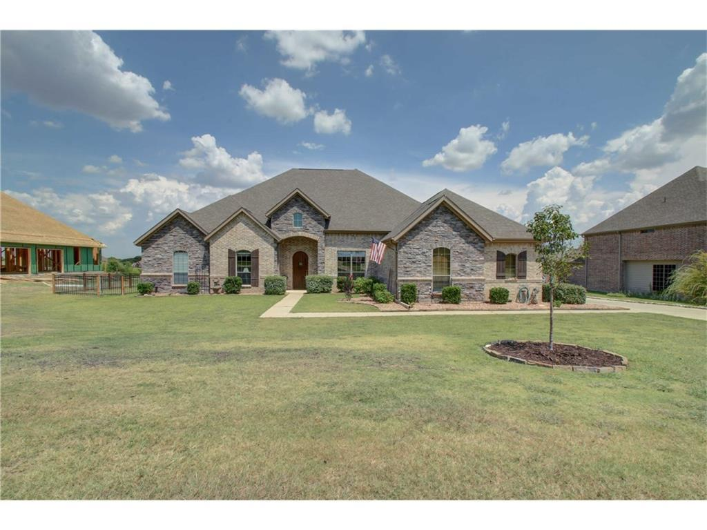 305 Silver Rose, Burleson, TX, 76028: Photo 2