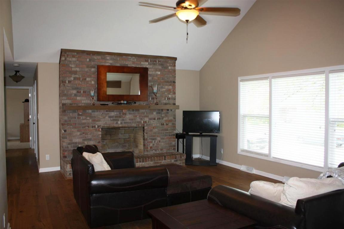 504 Stalcup St, Columbia, MO, 65203: Photo 2