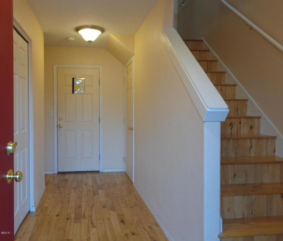 955 Nw Spring, Newport, OR, 97365: Photo 2