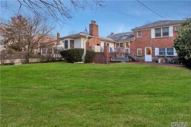 135 Brook St Garden City Ny 11530 For Sale