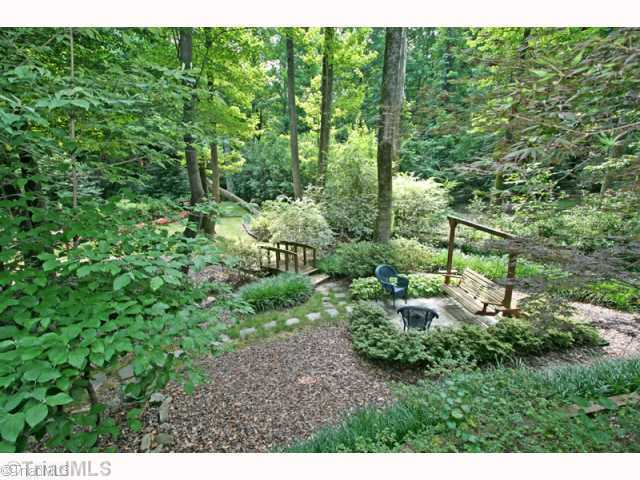 6 Lake Forest Court, Greensboro, NC, 27408: Photo 8