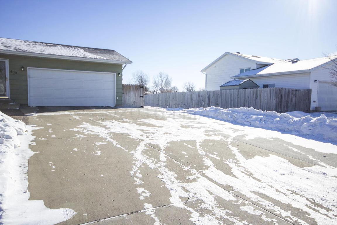 409 17th st e west fargo nd 58078 for sale for Home builders fargo nd