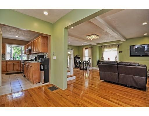 86 Randolph Rd, Worcester, MA, 01606: Photo 9