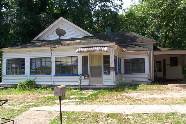 310 Wood St Water Valley, MS - For Sale $69,900 | Homes.com