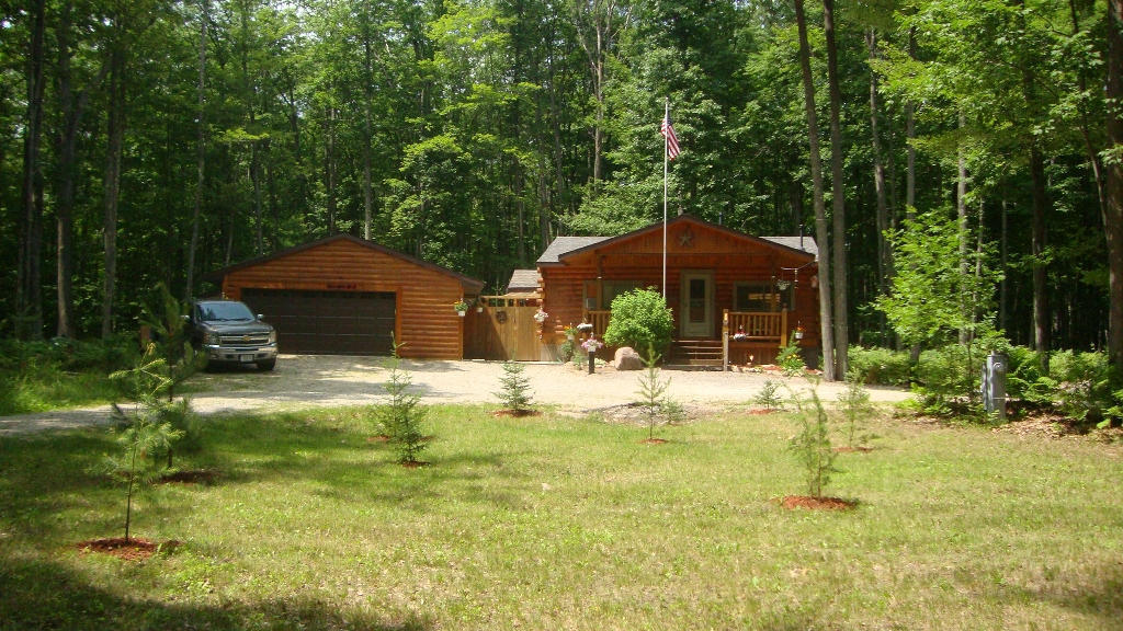 N10577 Parkway Road, Crivitz, WI, 54114 -- Homes For Sale
