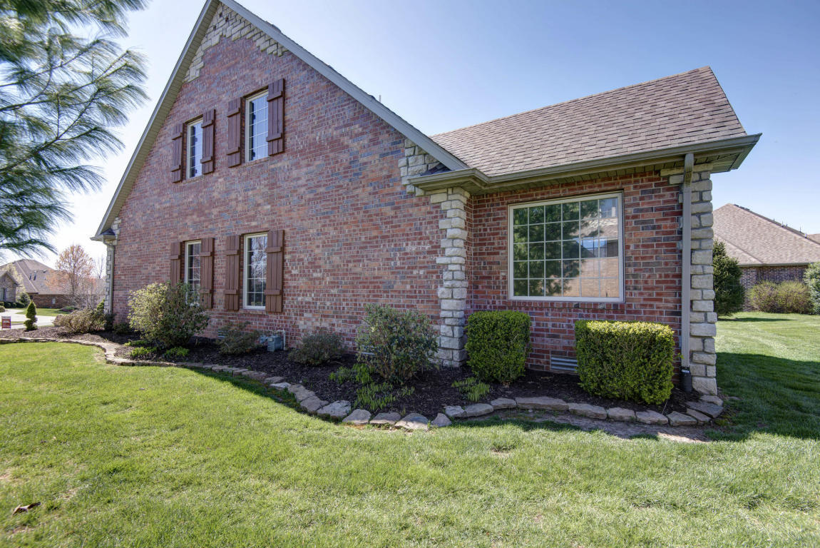 3297 West Parkhaven Springfield Mo 65810 For Sale