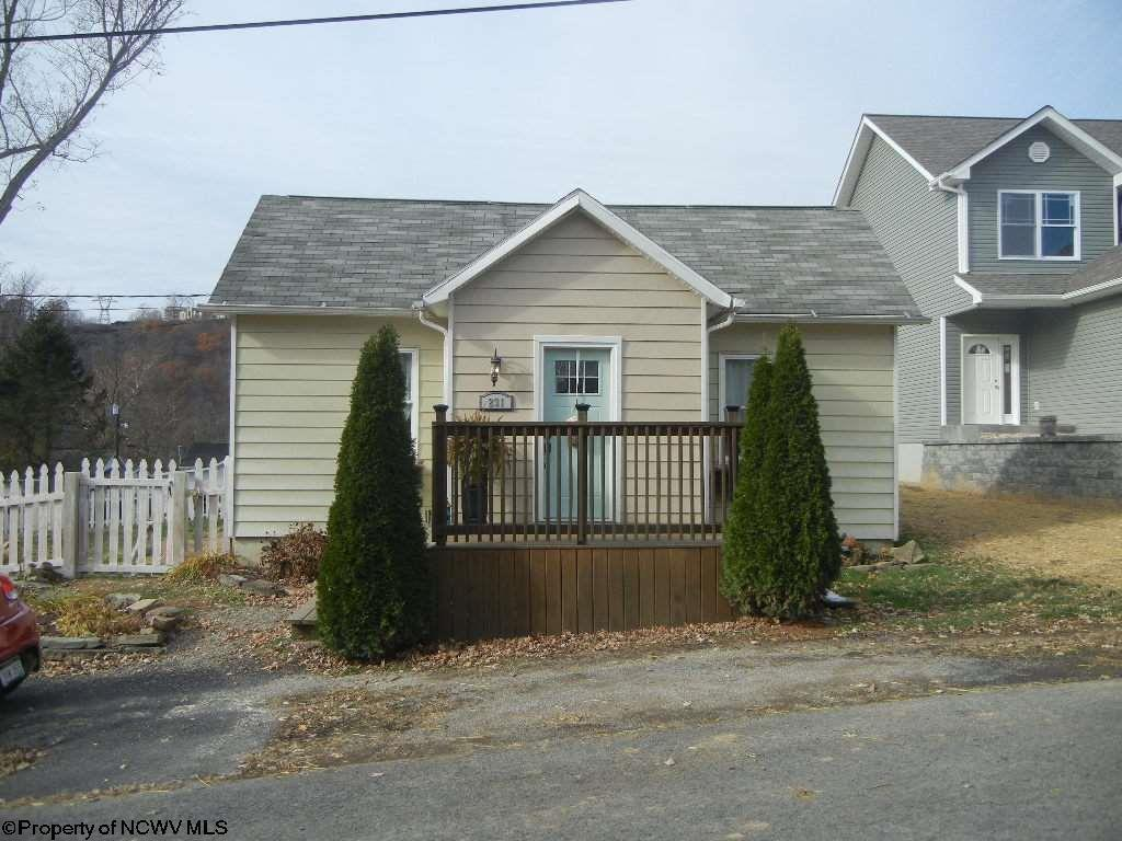 231 sherwood street morgantown wv for sale 145 000 for Wv home builders