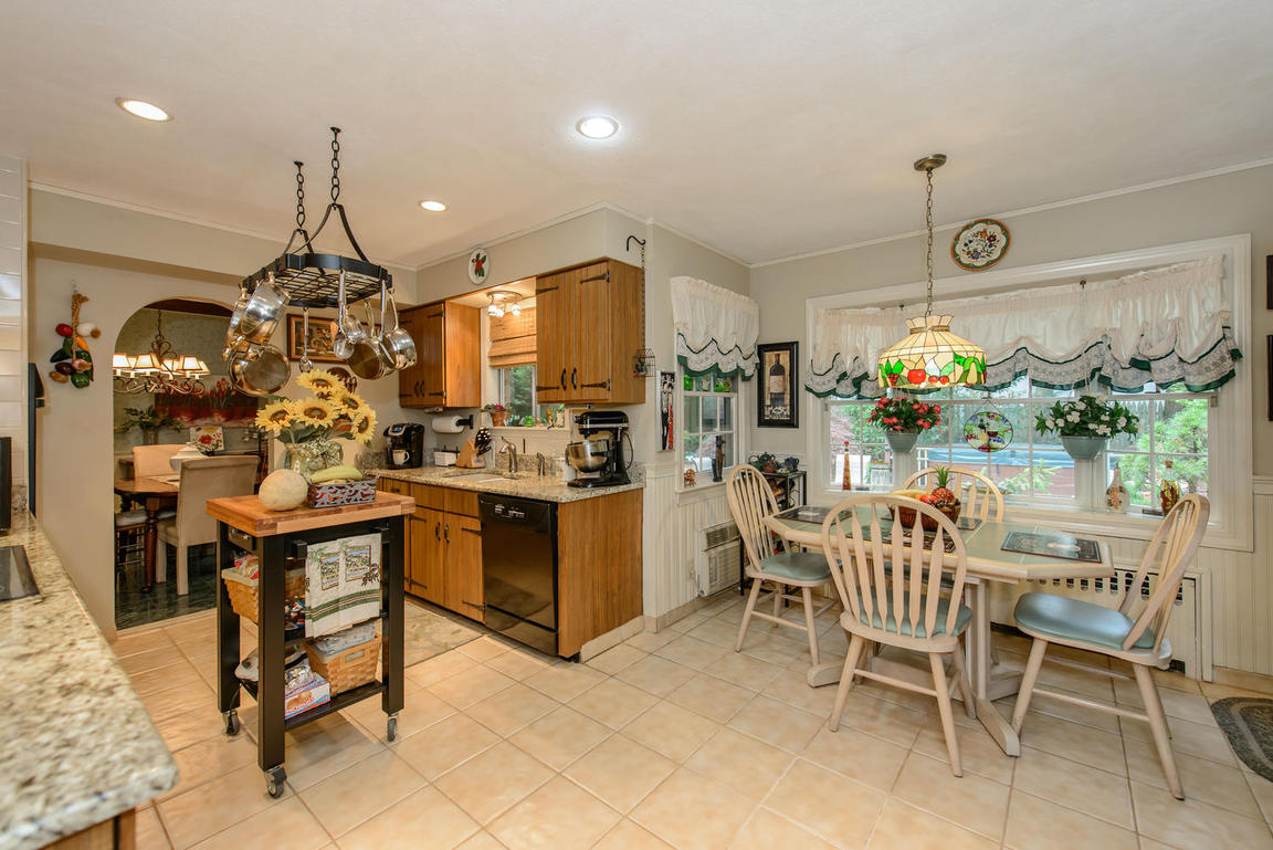 882 Valley Rd, Oyster Bay, NY, 11765: Photo 7