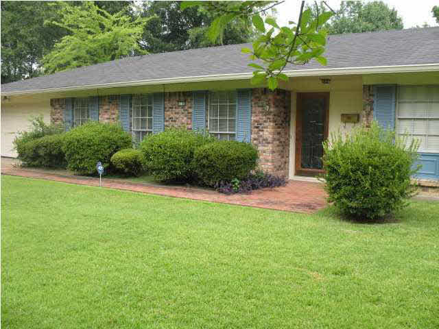 6109 lake trace cir jackson ms 39211 for sale for Home builders jackson ms