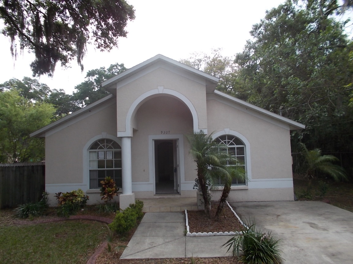 9307 N 10th St., Tampa, FL, 33612 -- Homes For Sale