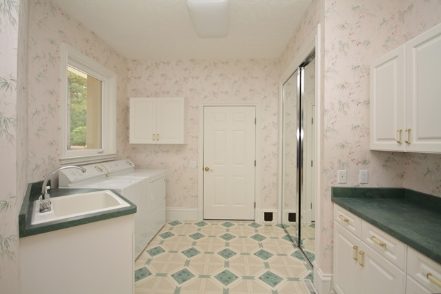 123 Andrews Dr, West End, NC, 27376 -- Homes For Rent