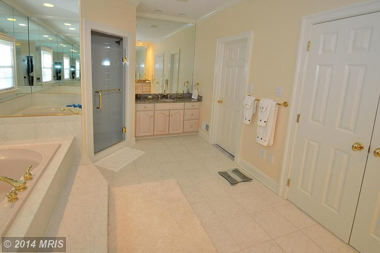 7923 Sandalfoot Drive, Potomac, MD, 20854 -- Homes For Sale
