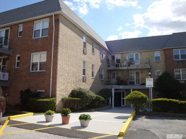 596 Broadway #8a, Lynbrook, NY, 11563 -- Homes For Sale