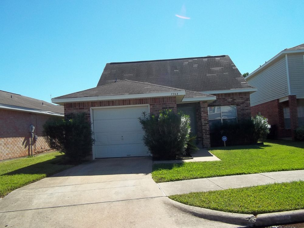 7736 sign street missouri city tx for rent 990 for Home vom