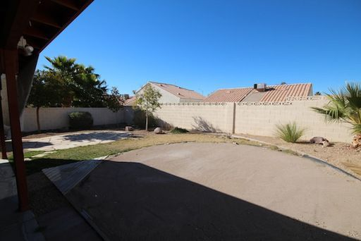 812 Anchor Dr, Henderson, NV, 89015: Photo 2