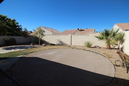 812 Anchor Dr, Henderson, NV, 89015: Photo 3