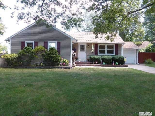 524 Trolley Line Rd, Babylon, NY, 11702 -- Homes For Sale