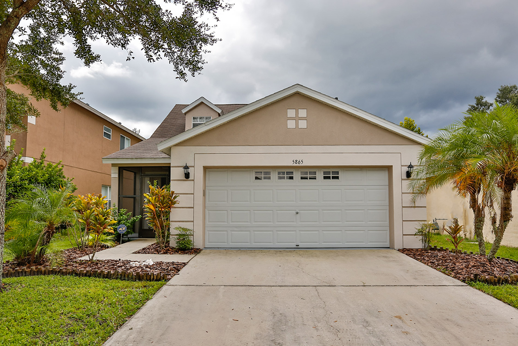 5865 wrenwater dr lithia fl 33547 for sale