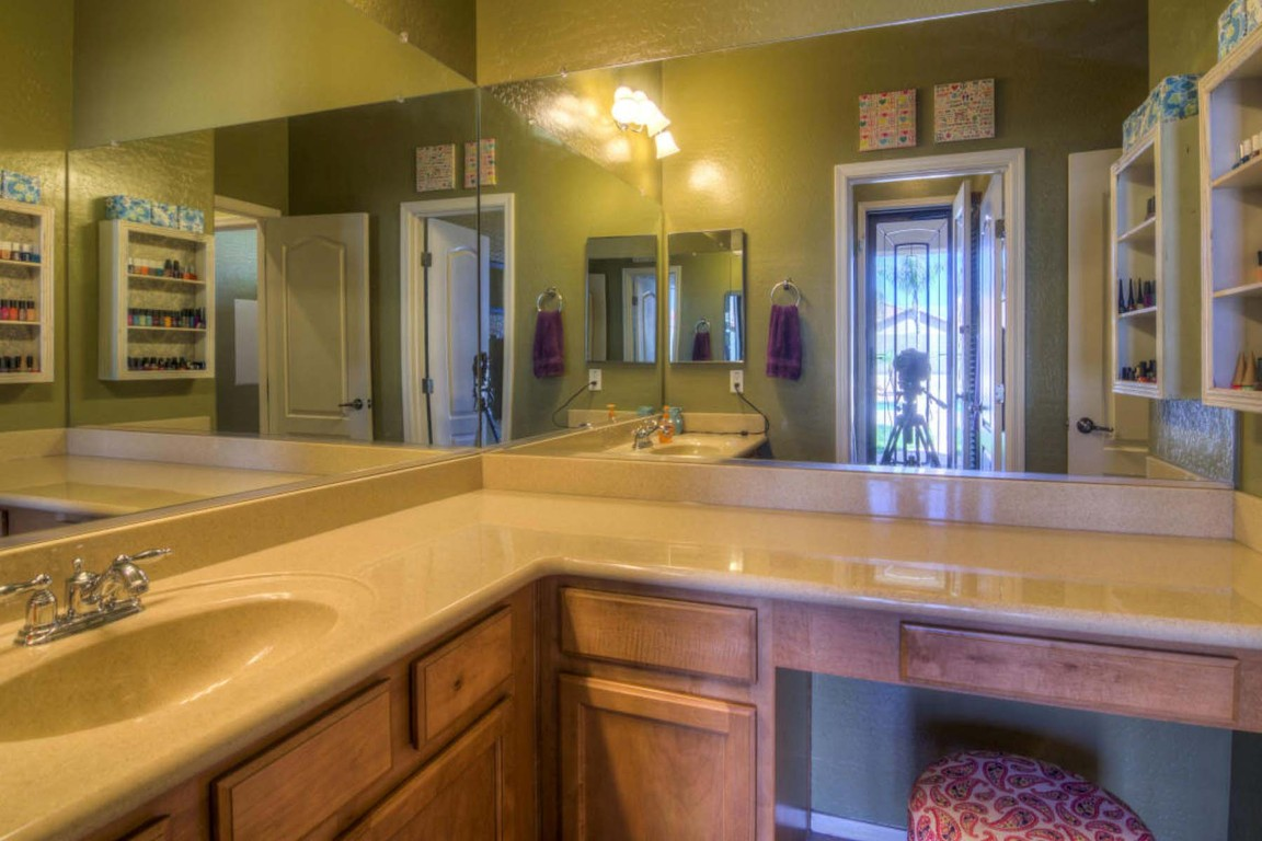 14554 W Desert Cove Rd, Surprise, AZ, 85379: Photo 25