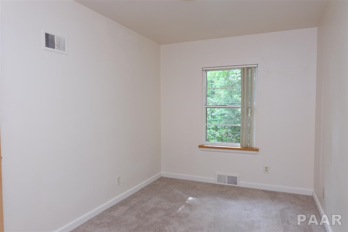 2127 N Flora Avenue, Peoria, IL, 61604 -- Homes For Sale