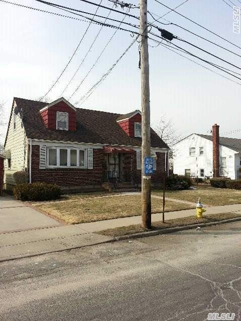 181 Urban Ave, Westbury, NY, 11590 -- Homes For Sale