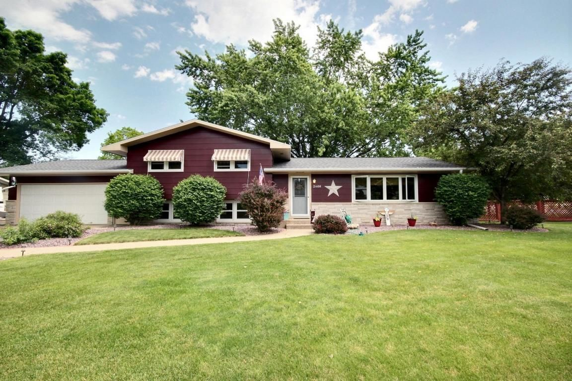 2608 bluebird ct la crosse wi for sale 210 000 for Wi home builders