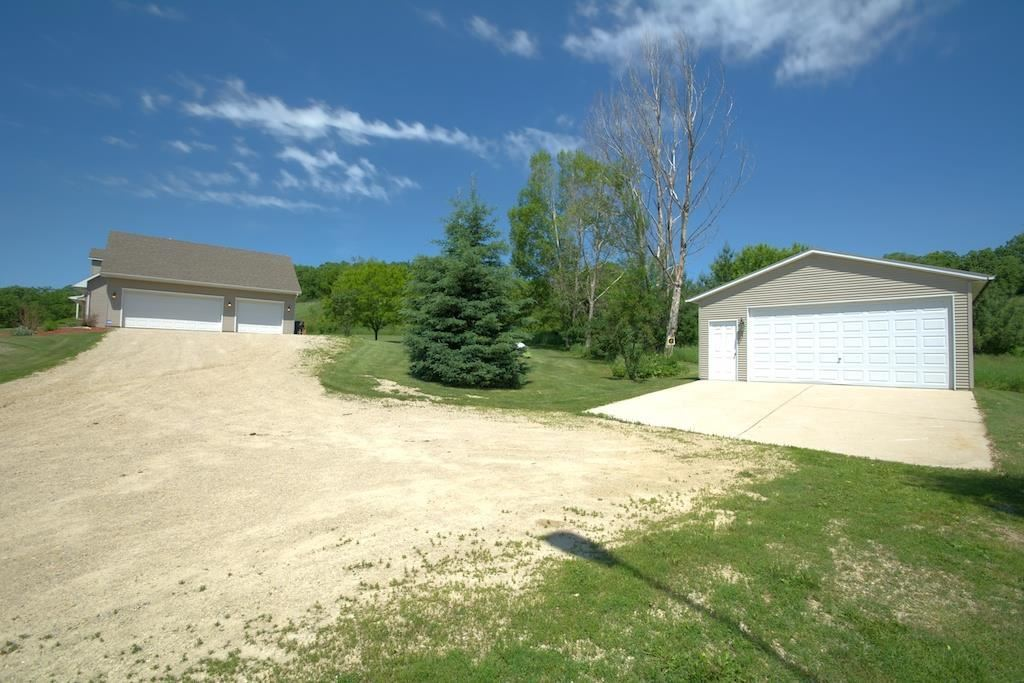 1805 County Road E, Blue Mounds, WI, 53517: Photo 23