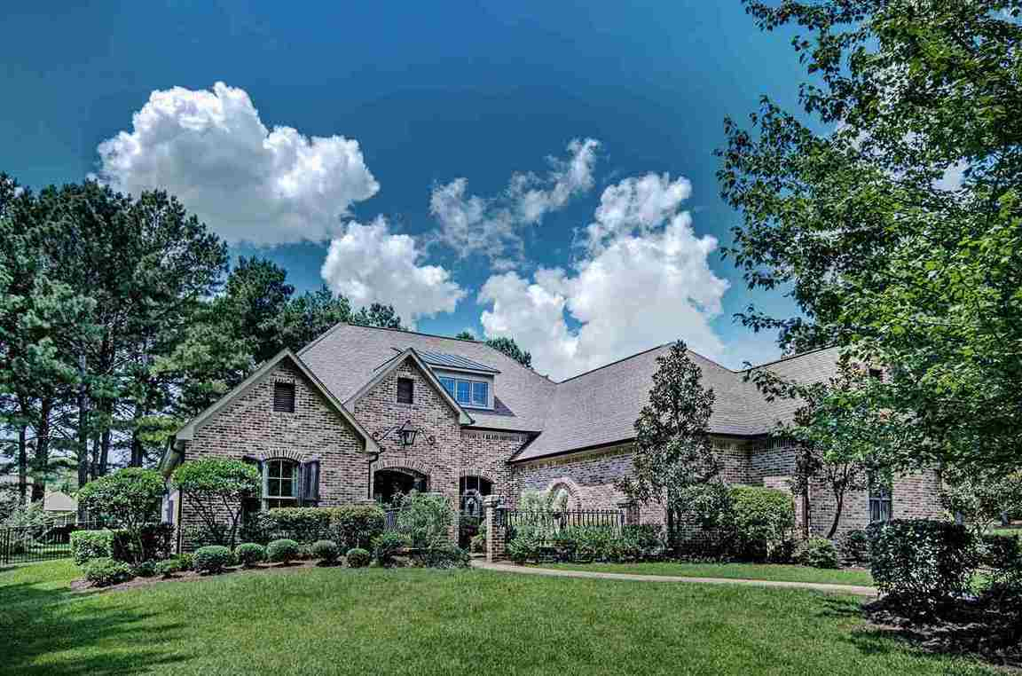 600 johnstone dr madison ms for sale 659 900 for Home builders madison ms