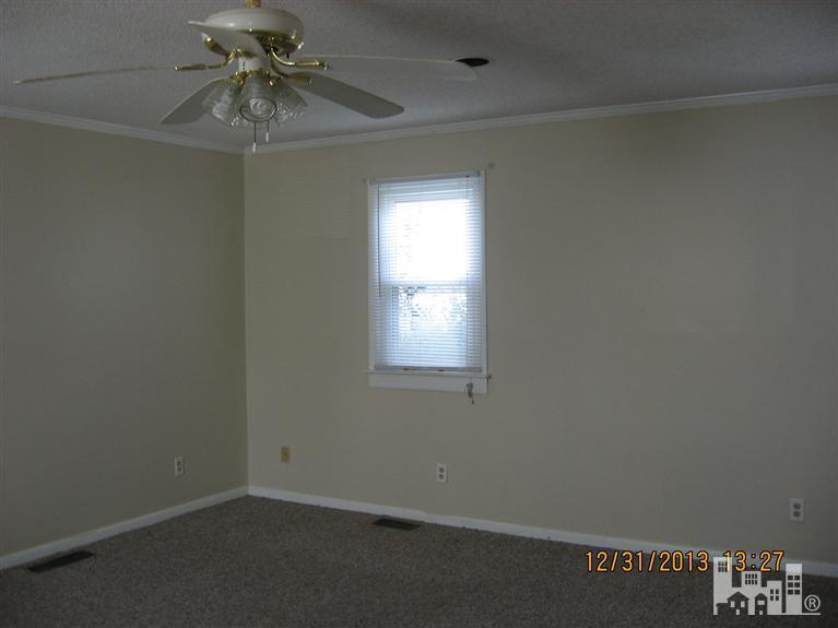 620 South Raleigh Street, Wallace, NC, 28466: Photo 4