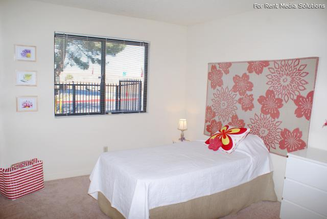 Liberty Village, Las Vegas, NV, 89115: Photo 12